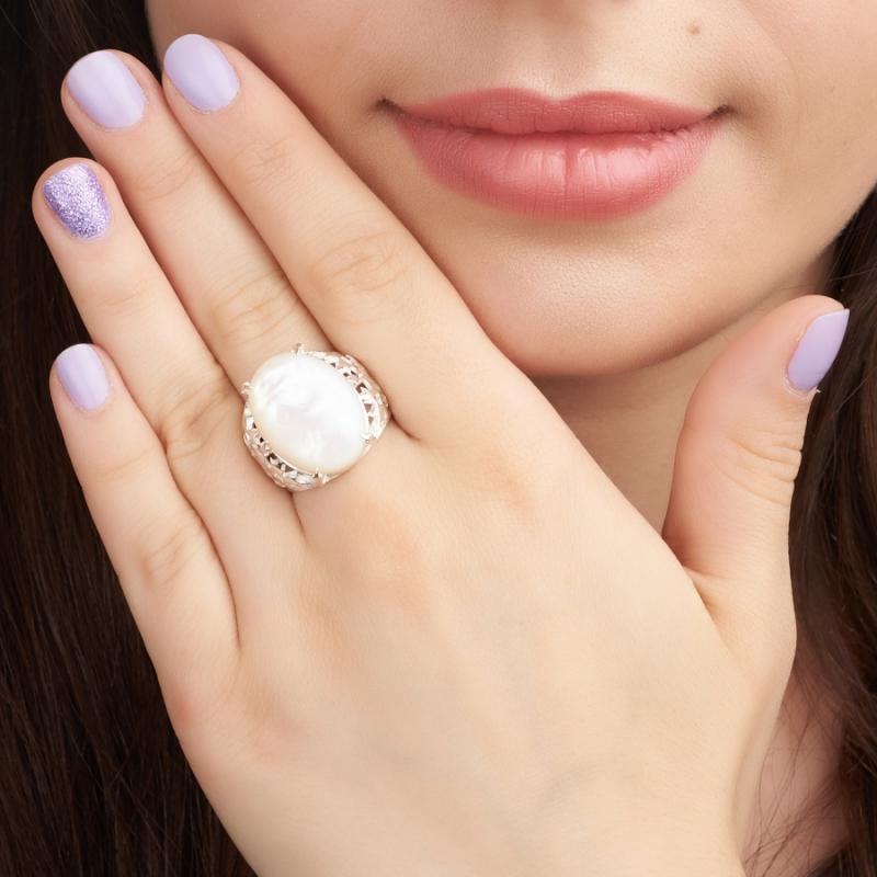 Кольцо перламутр белый Индонезия (серебро 925 пр.) размер 18,5