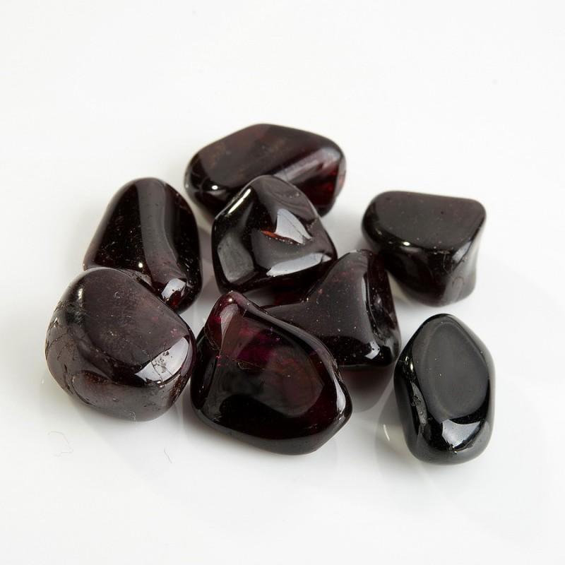 Галтовка Гранат (альмандин) Малави (1,5-2 см) 1 шт
