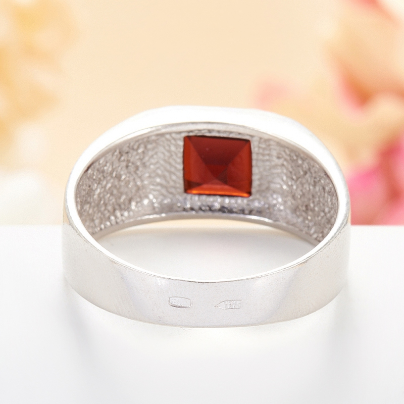 [del] Кольцо гранат альмандин Индия огранка (серебро 925 пр.) размер 23