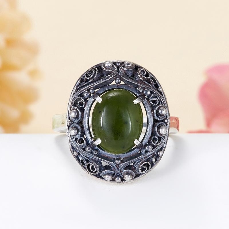 Кольцо нефрит зеленый Россия (серебро 925 пр.) размер 22,5