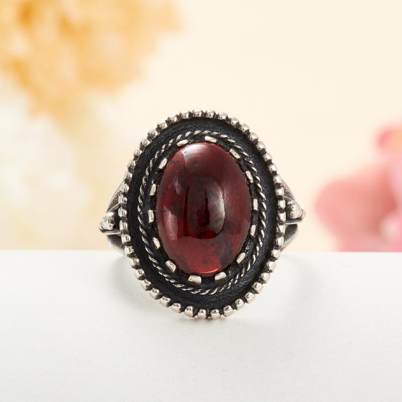 [del] Кольцо гранат альмандин Индия (серебро 925 пр.) размер 19