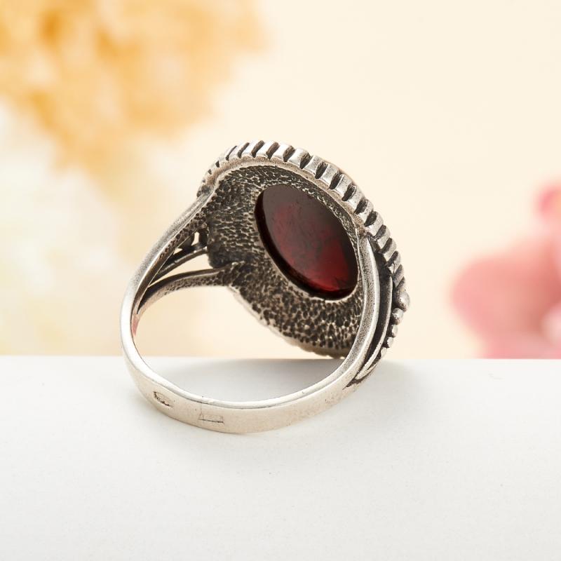 [del] Кольцо гранат альмандин Индия (серебро 925 пр.) размер 22