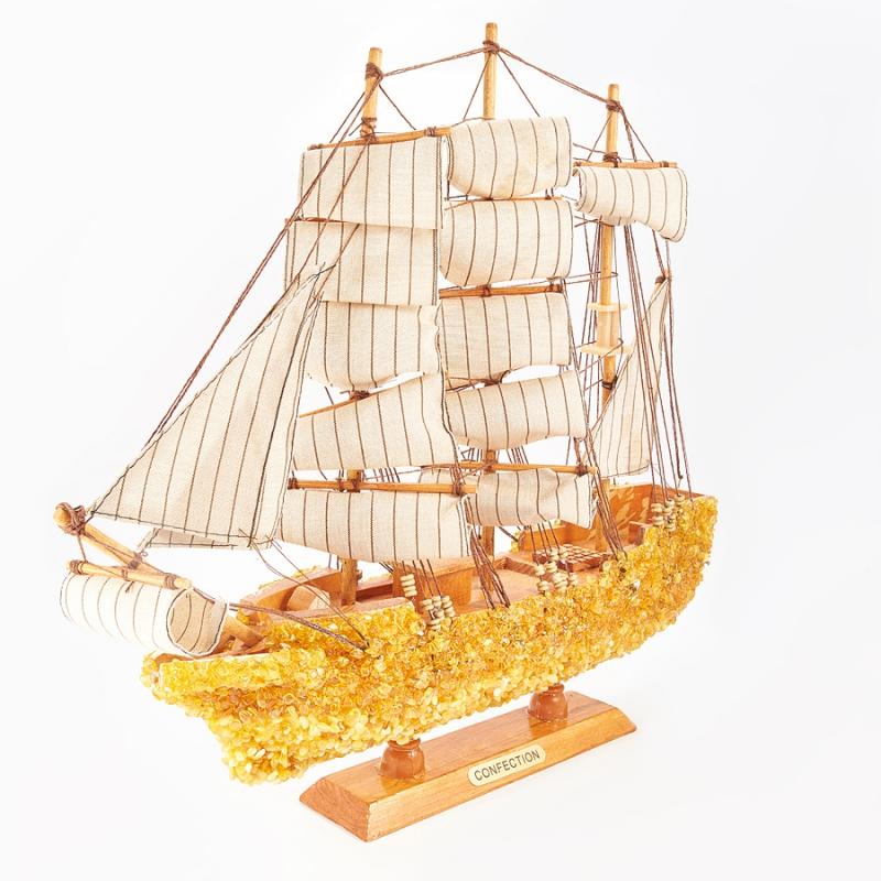 Корабль янтарь  40х38х8 см
