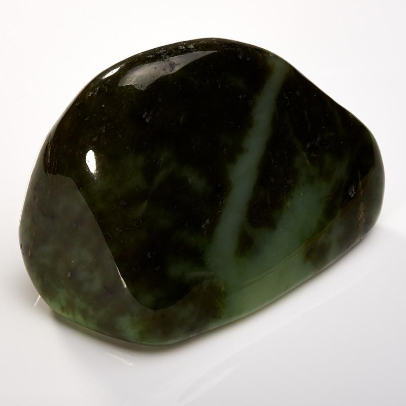 Галтовка нефрит Саяны 13х9х5,5 см