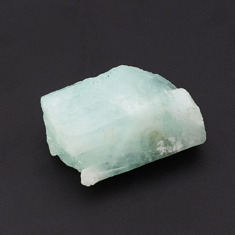 Кристалл аквамарин зеленый XXS кристалл в породе аквамарин 87х78х68 мм