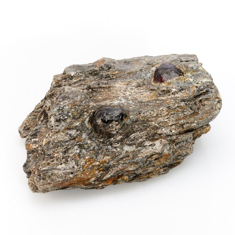 Кристалл в породе гранат альмандин  M кабошон сердолик 30 40 мм