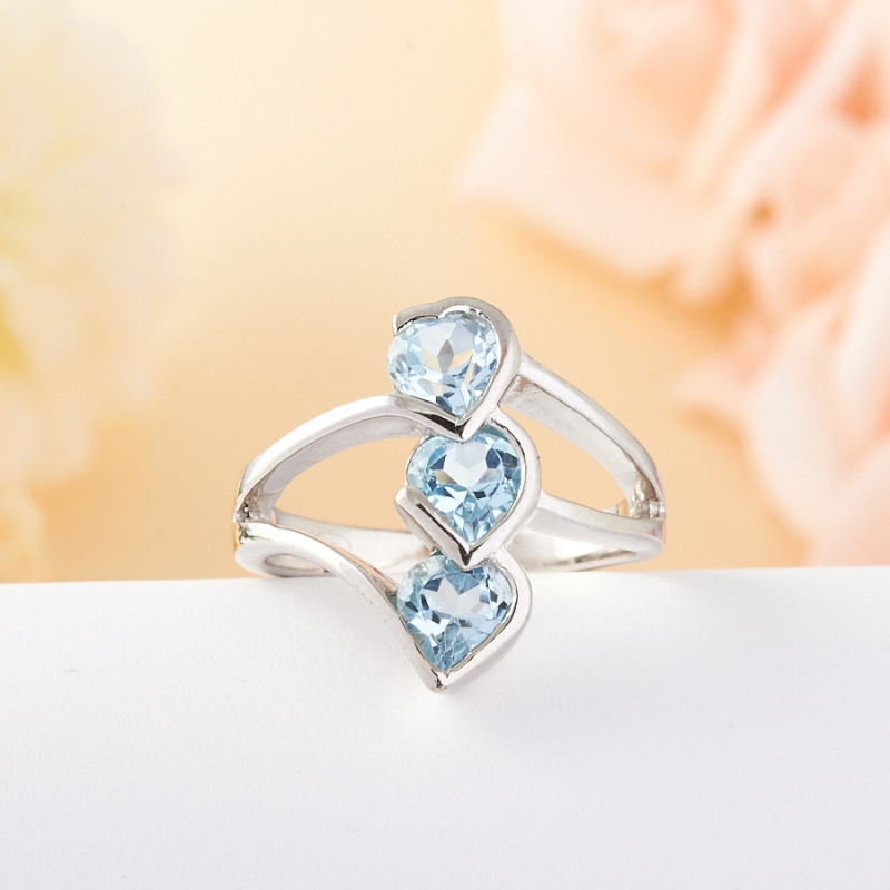 Кольцо голубой топаз огранка (серебро 925 пр.) размер 17,5
