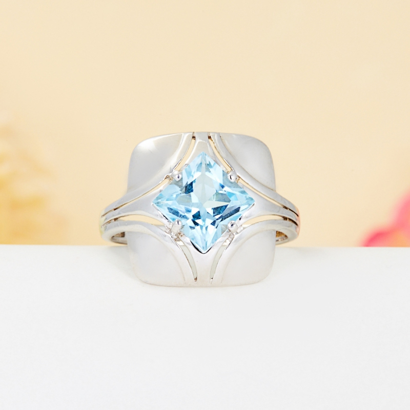 Кольцо топаз голубой огранка (серебро 925 пр.) размер 17,5 кольцо коюз топаз кольцо т147017446
