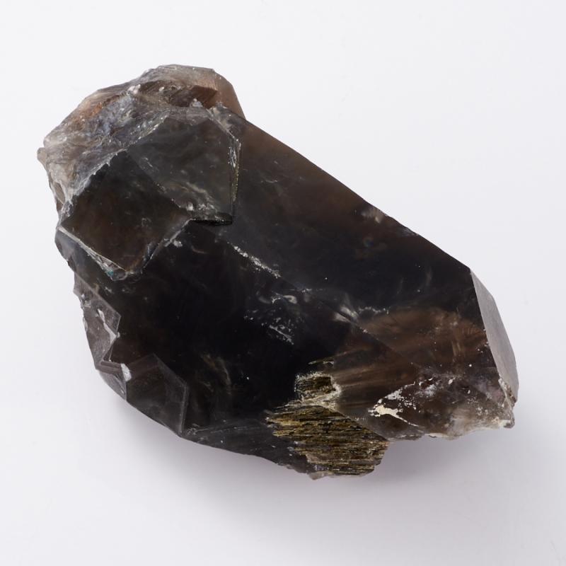 Кристалл раухтопаз с эпидотом и тремолит-асбестом  M