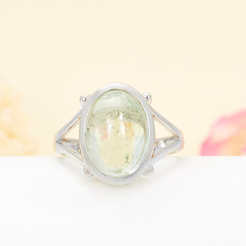 Кольцо турмалин зеленый  (серебро 925 пр.) размер 17