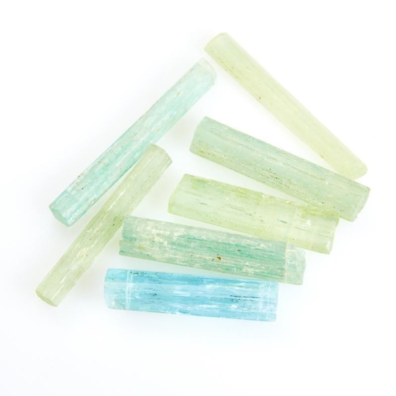 Кристалл аквамарин  (2,5-3 см) 1 шт