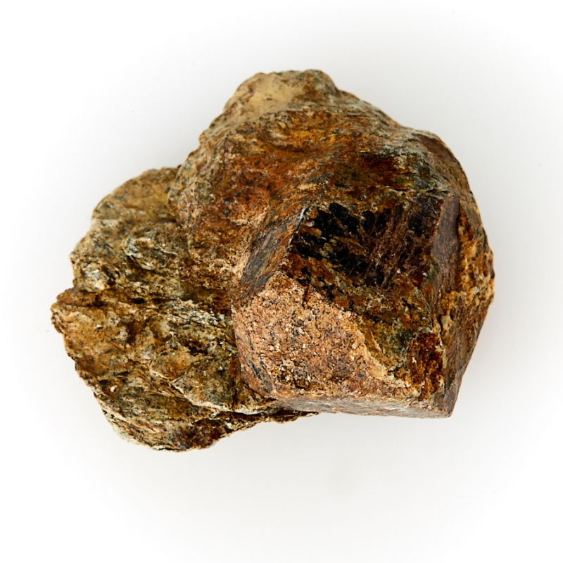 Кристалл в породе гранат-метасоматик  XXS