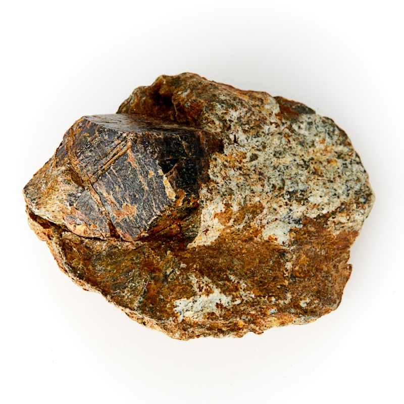 Кристалл в породе гранат-метасоматик XS гранат гранат 3023 12