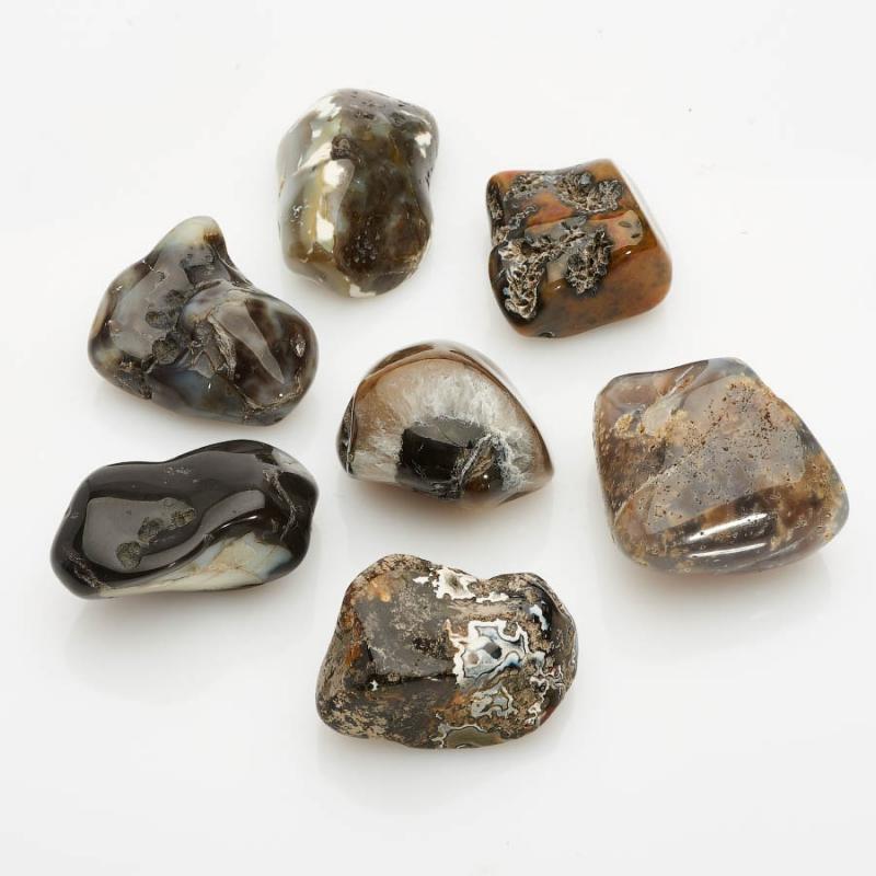 Агат черный  (2,5-3 см) 1 шт