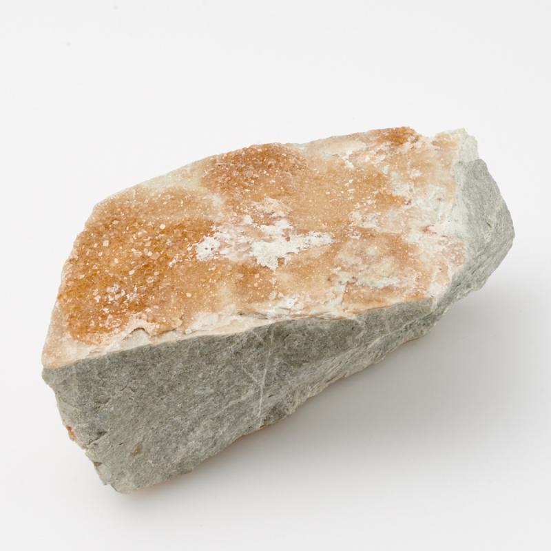 Кристалл в породе гранат гроссуляр  M