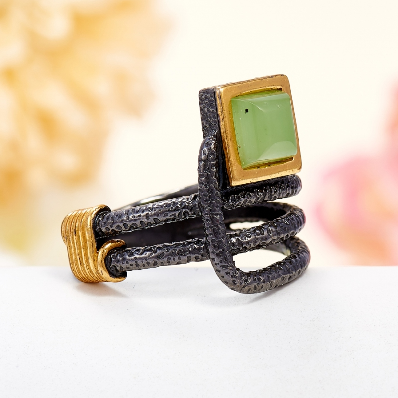 Кольцо нефрит зеленый Россия (серебро 925 пр., позолота) размер 23