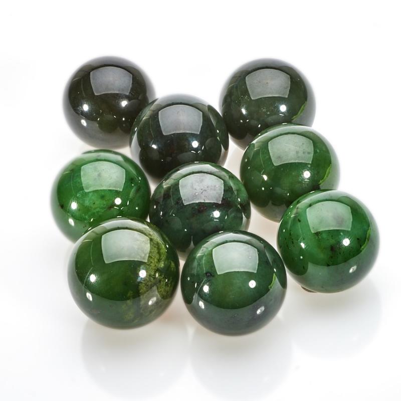 Шар нефрит зеленый  3 см