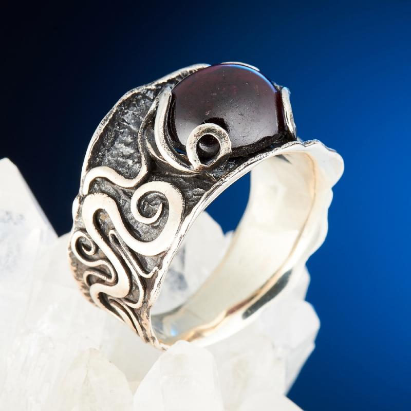 [del] Кольцо гранат альмандин Индия (серебро 925 пр.) размер 21,5