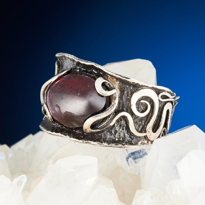 [del] Кольцо гранат альмандин Индия (серебро 925 пр.) размер 24