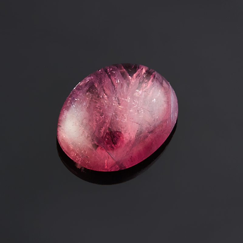 Кабошон турмалин розовый (рубеллит)  7*9 мм