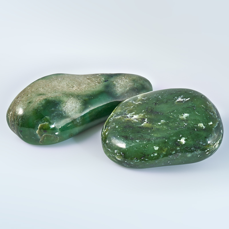 Галтовка Нефрит зеленый Россия (7-8 см) 1 шт