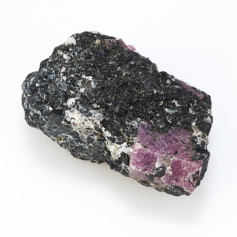 Кристалл корунд в породе амфиболит  S от Mineralmarket