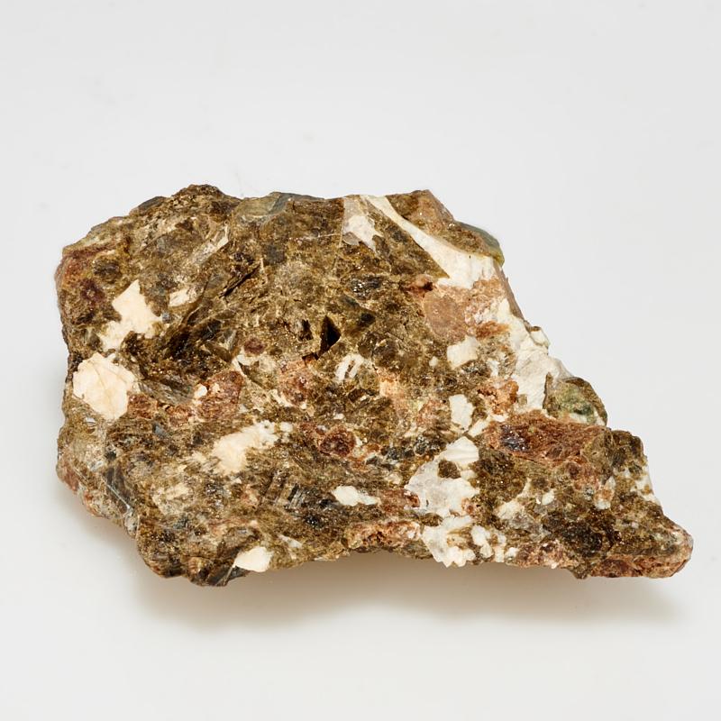 Кристалл везувиан в породе с андрадитом, кальцитом, кварцем  S
