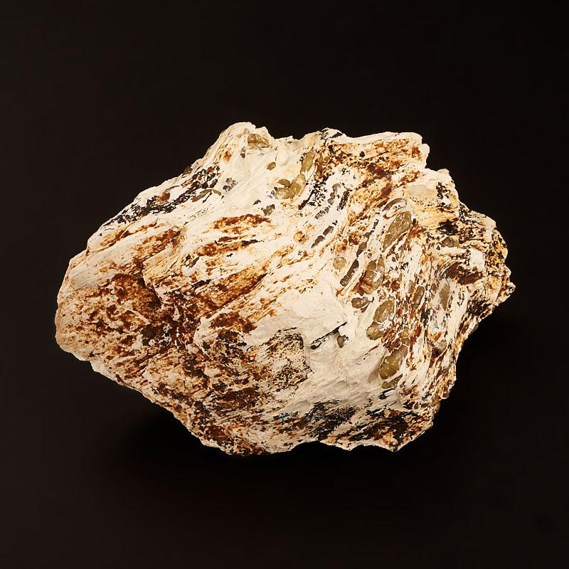 Кристалл в породе топазолит  S