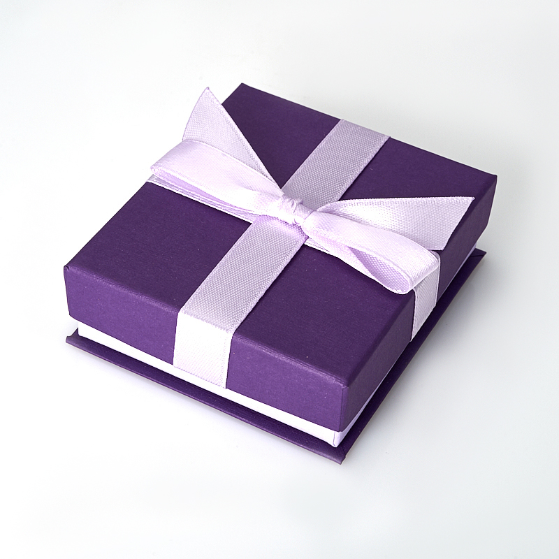 Подарочная упаковка под комплект (серьги, кольцо, кулон) 80х70х25 мм