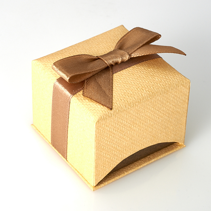 Подарочная упаковка универсальная 50х50х40 мм
