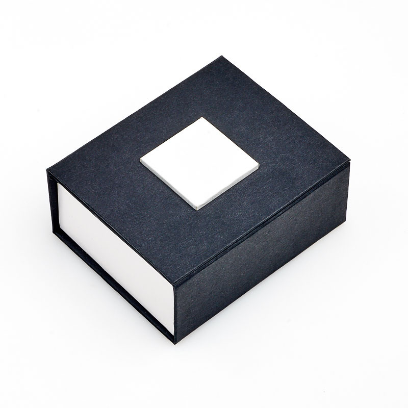 Подарочная упаковка под комплект (серьги, кольцо, кулон) 75x65x30 мм