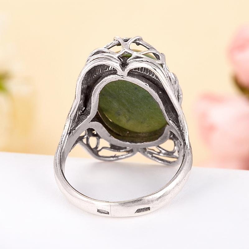 Кольцо нефрит зеленый Россия (серебро 925 пр.) размер 17,5