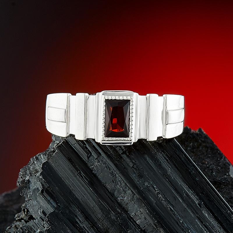 Кольцо гранат альмандин  огранка (серебро 925 пр.) размер 18