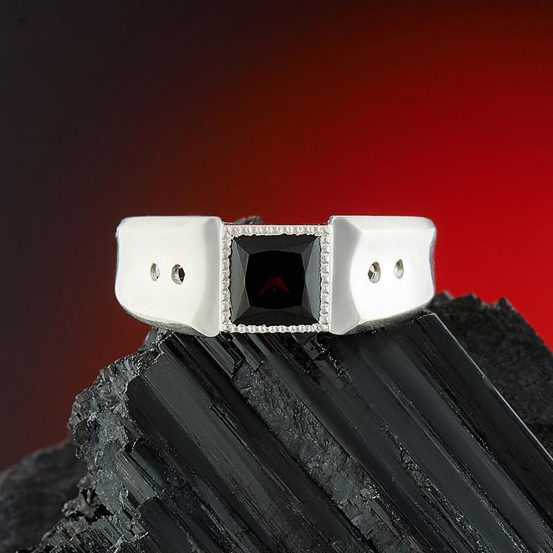 Кольцо гранат альмандин  огранка (серебро 925 пр.) размер 17,5