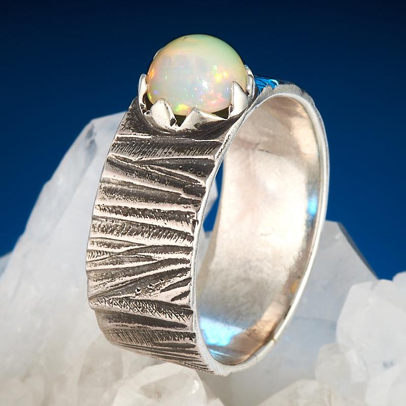 Кольцо опал благородный белый  (серебро 925 пр.) размер 21,5
