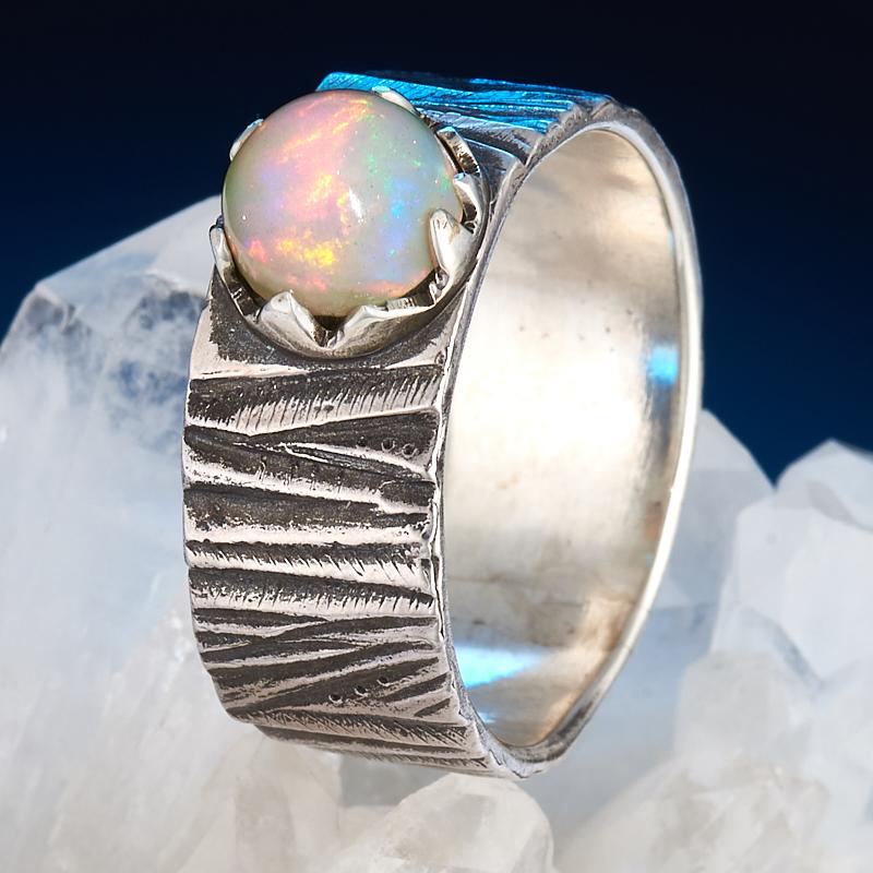 Кольцо опал благородный белый  (серебро 925 пр.) размер 21