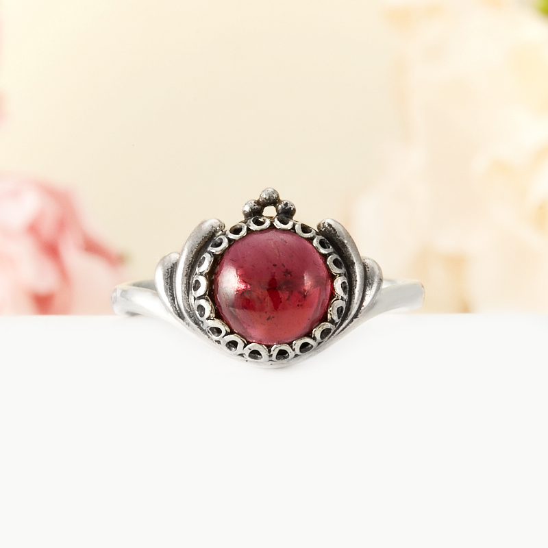 Кольцо гранат альмандин  (серебро 925 пр.) размер 18,5