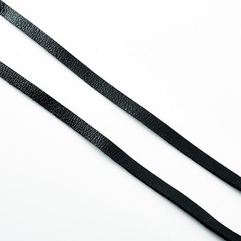 Шнурок черный 75 см (натуральная кожа)