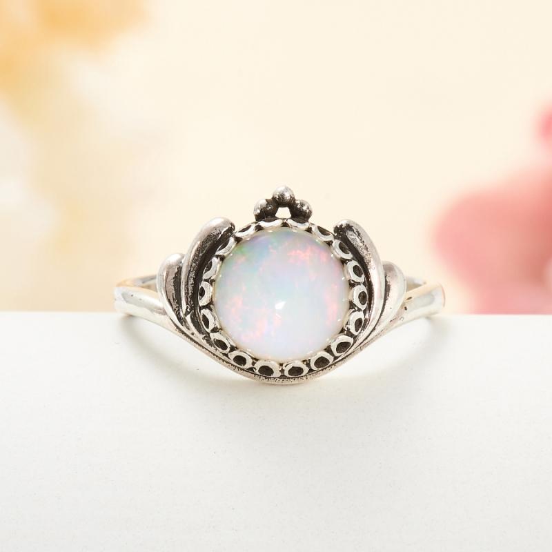 Кольцо опал благородный белый  (серебро 925 пр.) размер 17
