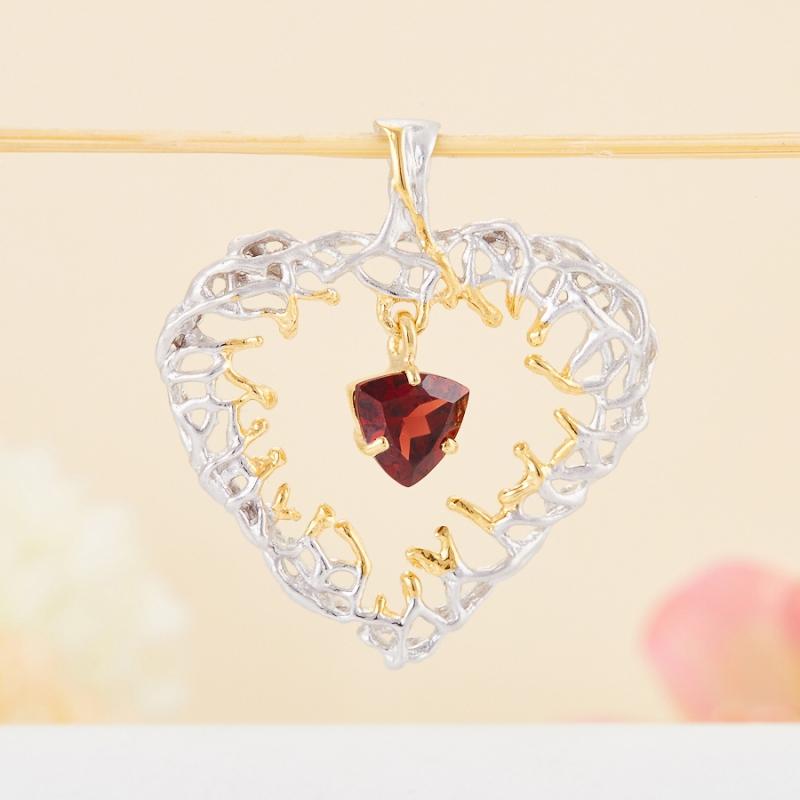 Кулон гранат альмандин  сердечко огранка (серебро 925 пр., позолота)