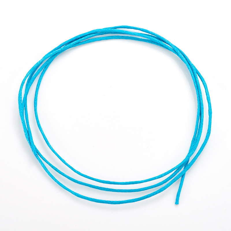 Шнурок голубой 70 см