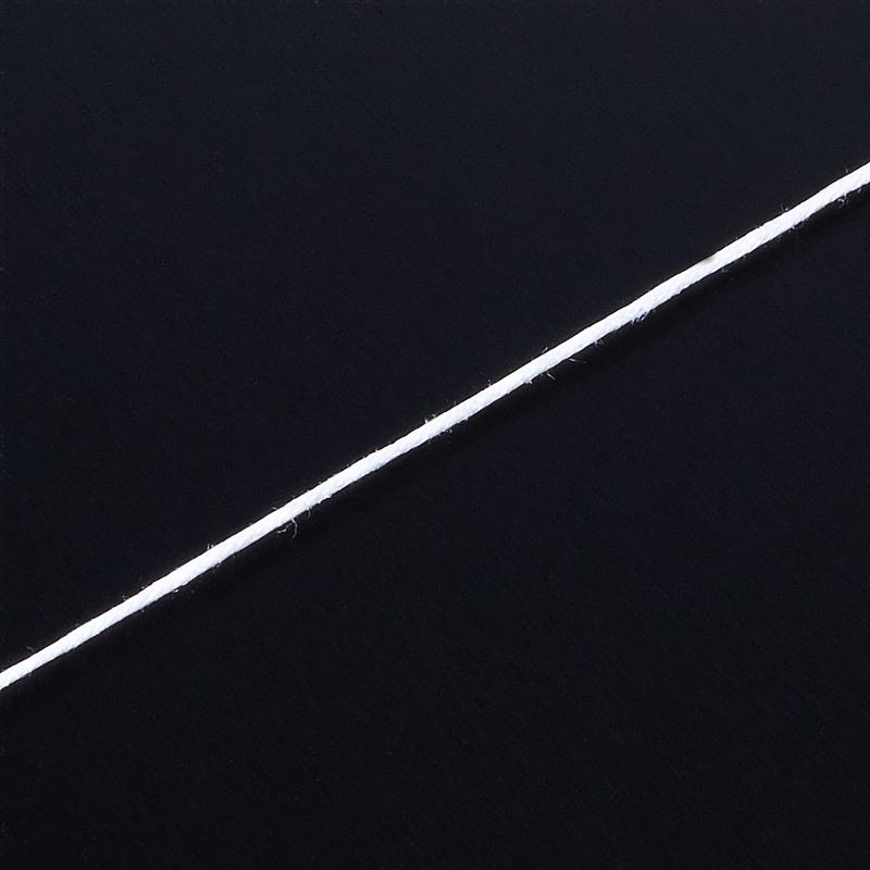 Шнурок (белый) 70 см (текстиль)