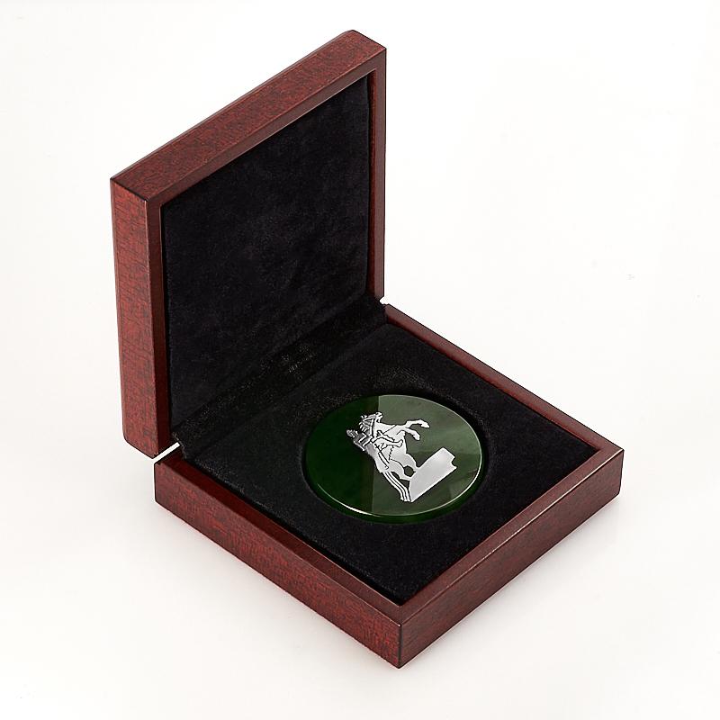 Медаль Санкт-Петербург нефрит зеленый, красное дерево 5-5,5 см