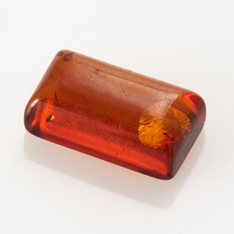 Кабошон янтарь  5*9 мм