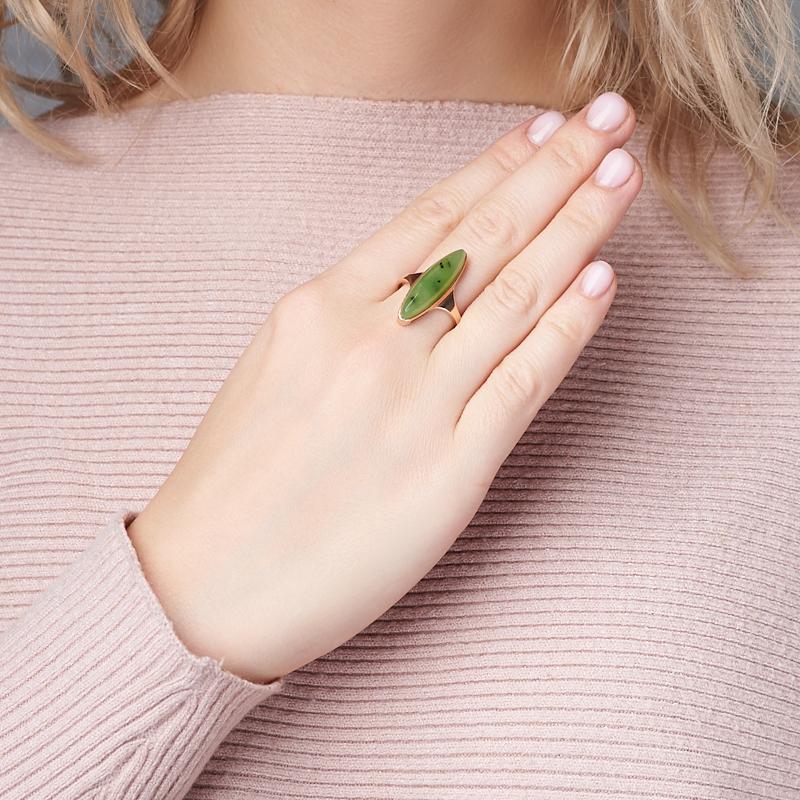 Кольцо нефрит зеленый Россия (серебро 925 пр., позолота) размер 17,5