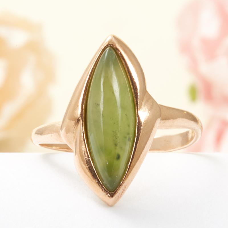 Кольцо нефрит зеленый  (серебро 925 пр., позолота) размер 18,5