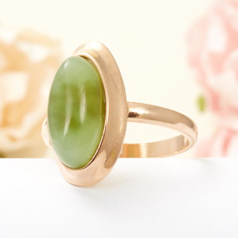 Кольцо нефрит зеленый Россия (серебро 925 пр., позолота) размер 18,5