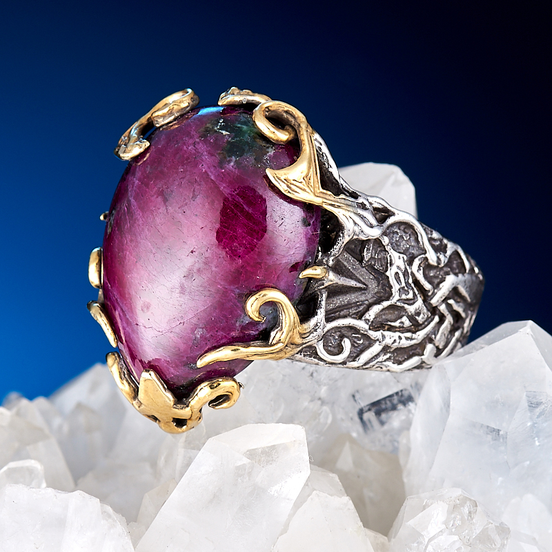 Кольцо корунд рубиновый  (серебро 925 пр., позолота) размер 19