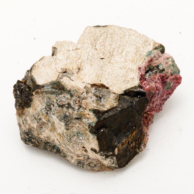 Образец эвдиалит, эгирин  XS от Mineralmarket