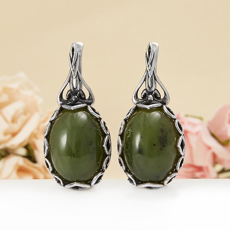 Серьги нефрит зеленый  (серебро 925 пр.) бусы нефрит зеленый огранка 49 см